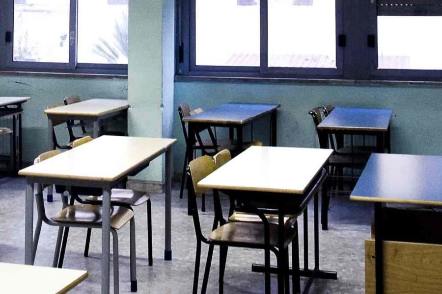 Scuola, accordo nella notte: niente sciopero il 17