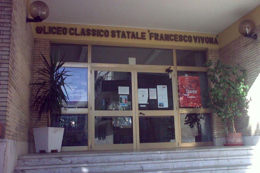 Professore precipita da finestra a Roma, condizioni gravi