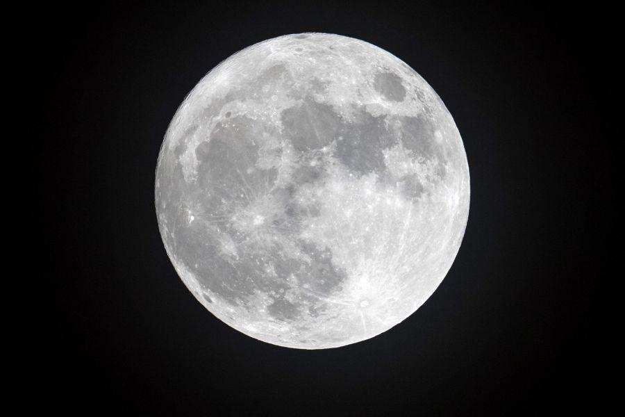 Luna, osservato schianto di un meteorite in diretta